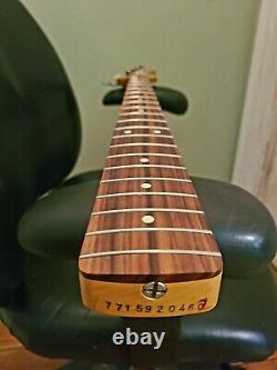 2020 Fender Vintera 60's Jazz Bass Neck + Tuners Mid 60's C Pau Ferro