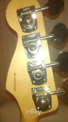 Fender Jazz Bass, MIM, Audere 4 band preamp, Aero pickups, Hipshot tuners