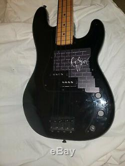 Fender Roger Waters Precision Electric Bass Guitar with Hipshot Xtender tuner
