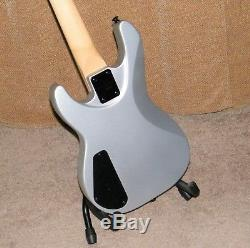 Jackson JS1X Minion Concert Electric Bass Guitar NEW- Missing D String Tuner