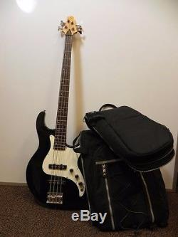 SAMICK Greg Bennet series FAIRLANE BASS GUITAR Four String with Bag TUNER