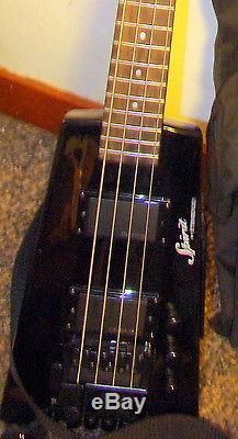 STEINBERGER 4 STRING HEADLESS BASS WITH DB-TUNER AND GIGBAG