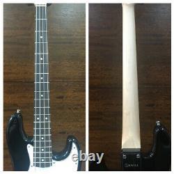 Skwill 3/4 Size 4-String Electric Bass Guitar, Black+Padded Gig Bag. YF-JBMINI/BK