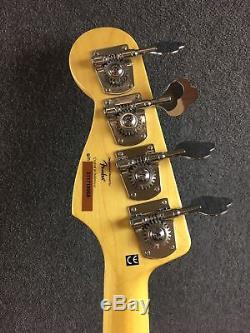 Squier Vintage Modified'77 Jazz Bass Guitar -with HS CASE, Tuner & Cable Black