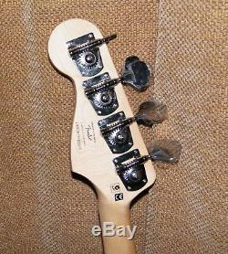 Squier Vintage Modified Jaguar Electric Bass Guitar- Black NEW -1 Broken Tuner