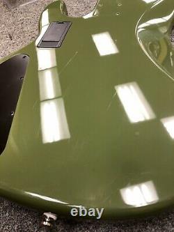 Stingray Ray4HH Bass Body + Tuners