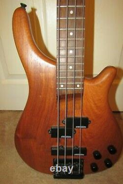 Vintage V940 Bubinga Bass Guitar superb condition + new strings