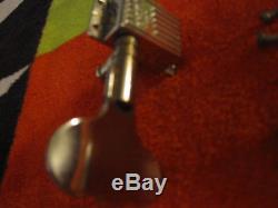 Wavy vintage Grover Rickenbacker 4001 4005 bass tuner D G 1971 1972 1973 1974